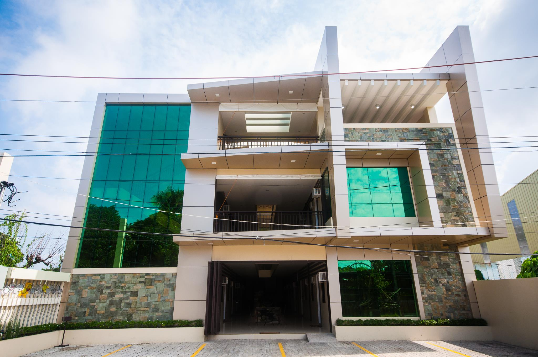 NF Suites - Apartelle and Hotel in Davao City 4